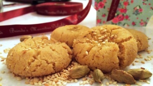 https://brindabungaroo.com/nankhatai-indian-shortbread-cookies/